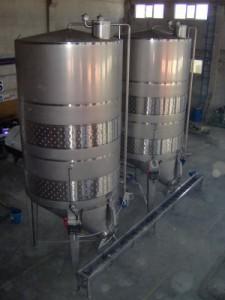 fermantasyon tanklari 225x300 Sarabın Efsanevi Tarihçesi